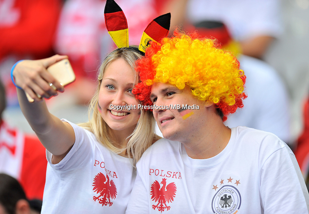 2016.06.16 Saint-Denis<br /> Pilka nozna Euro 2016<br /> mecz grupy C Polska - Niemcy<br /> N/z Kibice Niemiec Fans Germany<br /> Foto Norbert Barczyk / PressFocus<br /> <br /> 2016.06.16 Saint-Denis<br /> Football UEFA Euro 2016 group C game between Poland and Germany<br /> Kibice Niemiec Fans Germany<br /> Credit: Norbert Barczyk / PressFocus