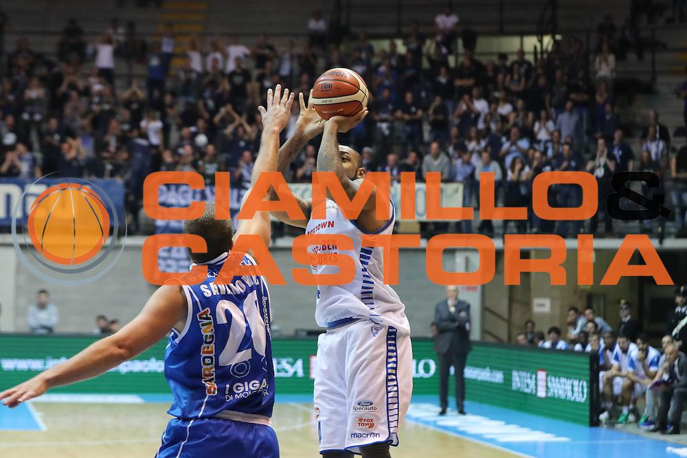 Romeo Travis<br /> Red October Cantu' Banco di Sardegna Sassari<br /> Basket serie A 2016/2017<br /> Milano 23/10/2016<br /> Foto Ciamillo-Castoria<br /> Provvisorio