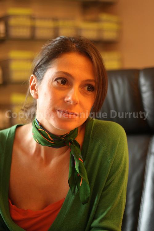Daphne Bugey perfumes creator in her office.  Daphne Bugey  creatrice de parfum dans son bureau.