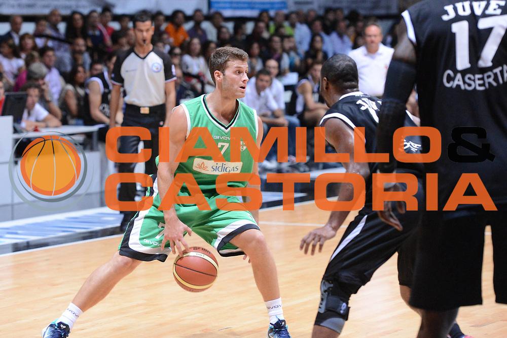 DESCRIZIONE : Caserta Trofeo GALEO Torneo Citta di Caserta 2012-13 Juvecaserta Scandone Avellino Finale<br /> GIOCATORE : James Mavraides<br /> CATEGORIA : palleggio <br /> SQUADRA : Scandone Avellino<br /> EVENTO : I Trofeo GALEO Torneo Citta di Caserta<br /> GARA : Juvecaserta Scandone Avellino<br /> DATA : 16/09/2012<br /> SPORT : Pallacanestro<br /> AUTORE : Agenzia Ciamillo-Castoria/GiulioCiamillo<br /> Galleria : Lega Basket A 2012-2013<br /> Fotonotizia : Caserta Trofeo GALEO Torneo Citta di Caserta 2012-13 Juvecaserta Scandone Avellino Finale<br /> Predefinita :