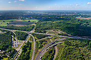 Nederland, Gelderland, Arnhem, 29-05-2019; Arnhem-Noord, Knooppunt Waterberg, kruising A12 richting Duitsland (naar links) met A50.<br /> Waterberg-junction, connecting motorways A12 to Germany with A50.<br /> luchtfoto (toeslag op standard tarieven);<br /> aerial photo (additional fee required);<br /> copyright foto/photo Siebe Swart