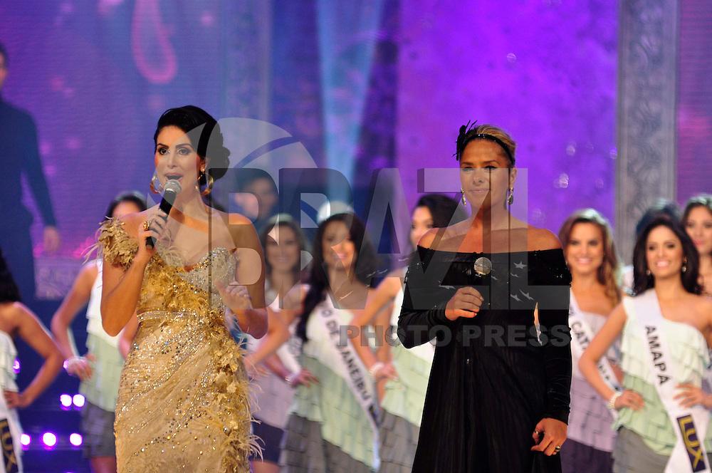 SÃO PAULO, SP, 23 DE JULHO DE 2011 - MISS BRASIL 2011 - Adriane Galisteu e Layla apresentam o Miss Brasil 2011 na noite deste sabado (23) no HSBC Hall em São Paulo. FOTO: LEVI BIANCO - NEWS FREE