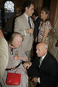 Peter york above, Lady Tebbit and Iain Duncan Smith. Andrew Roberts and Susan Gilchrist celebrate the publication of 'A History of The English-Speaking Peoples since 1900' English Speaking Union. Charles St. London. 11 September 2006. ONE TIME USE ONLY - DO NOT ARCHIVE  © Copyright Photograph by Dafydd Jones 66 Stockwell Park Rd. London SW9 0DA Tel 020 7733 0108 www.dafjones.com