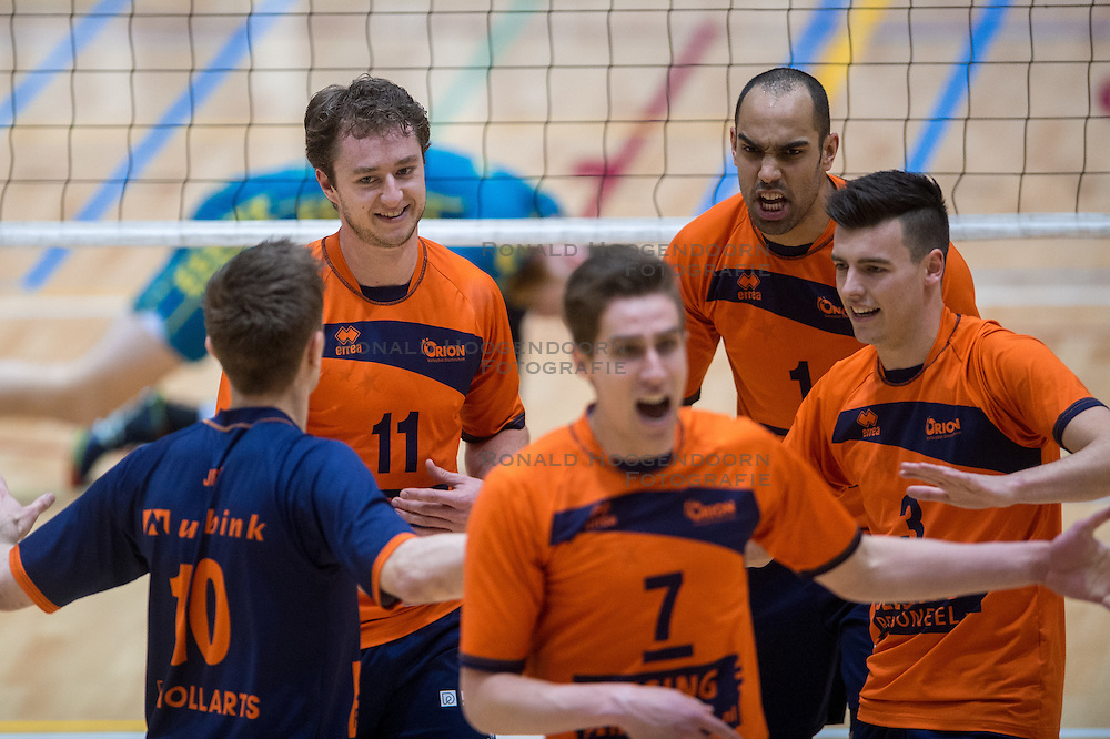 10-04-2016 NED: Seesing Personeel Orion -  Landstede Volleybal, Doetinchem<br /> In de derde en beslissende partij tussen Orion en Landstede Volleybal werd gespeeld om het toegangsticket tot de play – off finale. Orion trok aan het langste eind door Zwolle met 3-1 naar huis te sturen / Pim Kamps #7 of Orion, Ryan Anselma #1 of Orion, Stijn Held #3 of Orion, Tom Buijs #11 of Orion