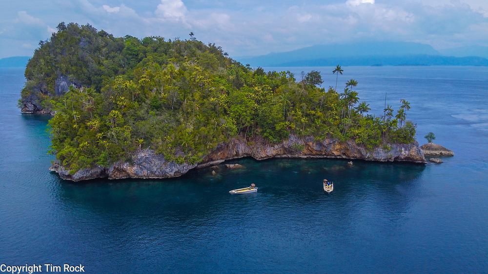 DCIM\100MEDIA\DJI_0463.JPG Triton Bay Dec 2019 (West Papua Indonesia)