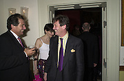 Robert Bourne, Mrs. Nicholas Coleridge and Melvyn Bragg. Tina Brown CBE and Birthday party hosted by Sally Greene. Cheyne Walk. London 21 November 2000. © Copyright Photograph by Dafydd Jones 66 Stockwell Park Rd. London SW9 0DA Tel 020 7733 0108 www.dafjones.com
