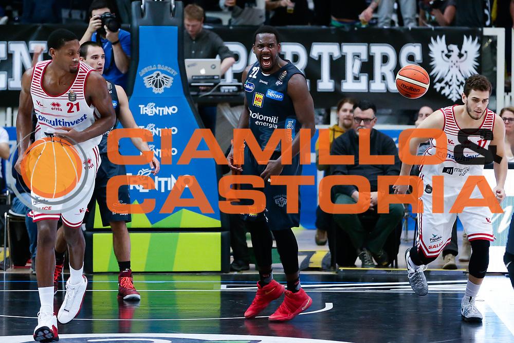 Dustin Hogue<br /> Dolomiti Energia Aquila Basket Trento - Consultinvest Victoria Libertas Pesaro<br /> Lega Basket Serie A 2016/2017<br /> PalaTrento 26/03/2017<br /> Foto Ciamillo-Castoria / M. Brondi