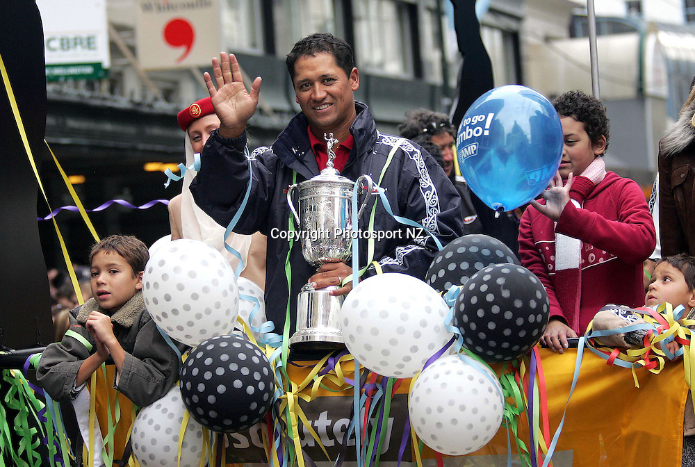 US Golf Open champ Michael Campbell with his family during the parade in his honour moving down Lambton Quay in Wellington on Friday.<br /> Photo: Marty Melville/PHOTOSPORT