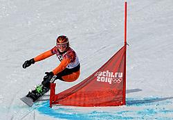 19-02-2014 SNOWBOARDEN: OLYMPIC GAMES: SOTSJI<br /> Snowboardster Nicolien Sauerbreij heeft zich simpel geplaatst voor de achtste finales van de parallelreuzenslalom maar werd daar uitgeschakeld door Ina Meschik AUT<br /> ©2014-FotoHoogendoorn.nl