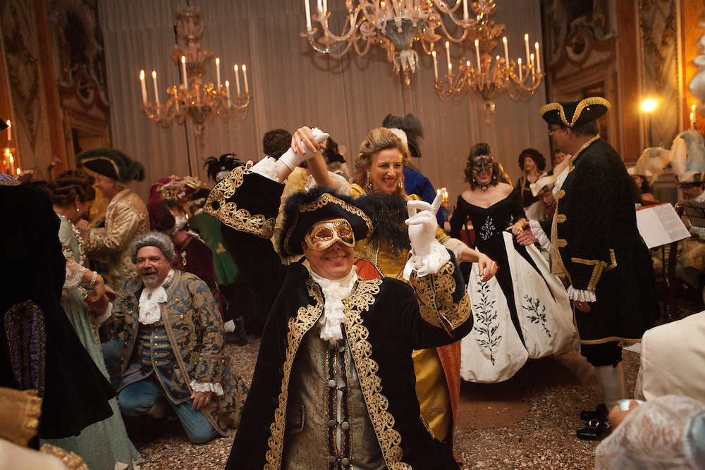 Guests of the Ballo Tiepolo perform traditional dance during the carnival in Venice in palazzo Pisani Moretta.