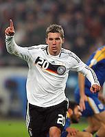 Fussball           EM Qualifikation        17.11.07 Deutschland - Zypern Lukas PODOLSKI (GER) jubelt nach seinem Treffer zum 3:0.