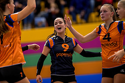 22-10-2016 NED: TT Papendal/Arnhem - Coolen Alterno, Arnhem<br /> Alterno heeft haar eerste overwinning binnen in de eredivisie. Na twee nederlagen schreef de Apeldoornse ploeg zaterdagmiddag in Valkenhuizen een 0-3 zege bij /