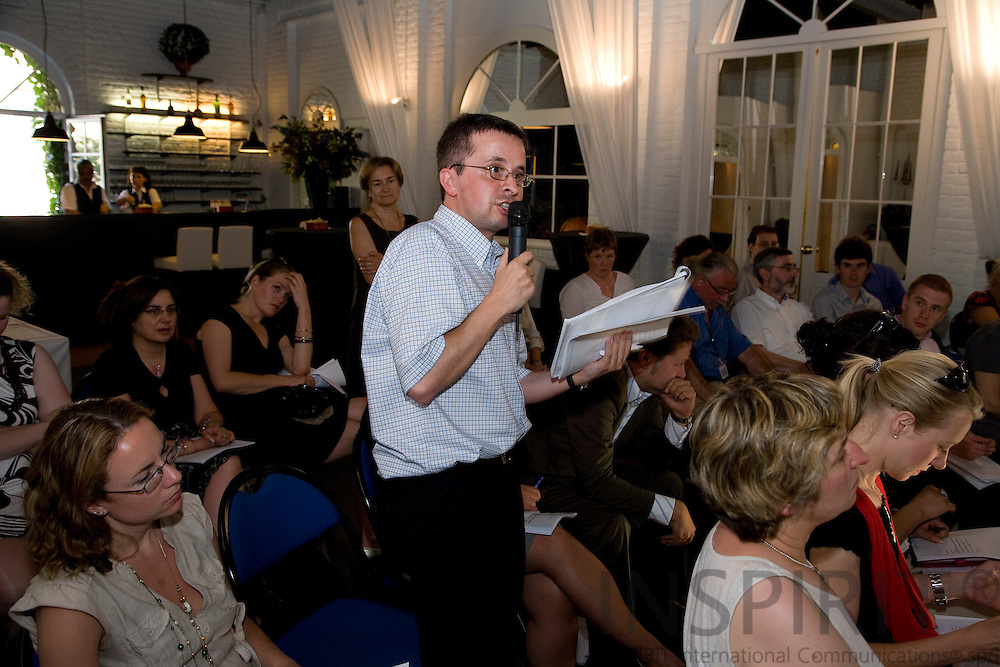 BRUSSELS - BELGIUM - 01 JULY 2009 -- Michael FREYTAG, Policy Advisor at Eorociett, ask questions at the presentation of the new Eurofound report 'Measures to tackle undeclared work in the European Union'.  Photo: Erik Luntang/INSPIRIT Photo