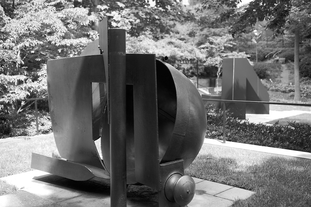 Sculpture in Baltimore<br /> J 11RYDA H. AND ROBERT H. LEVI SCULPTURE GARDEN<br /> The Baltimore Museum of Art<br /> Opened in 1988