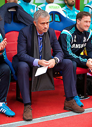 18.10.2014, Selhurst Park Stadium, London, ENG, Premier League, FC Crystal Palace vs FC Chelsea, 8. Runde, im Bild Chelsea's manager Jose Mourinho // 15054000 during the English Premier League 8th round match between Crystal Palace FC and Chelsea FC at the Selhurst Park Stadium in London, Great Britain on 2014/10/18. EXPA Pictures © 2014, PhotoCredit: EXPA/ Propagandaphoto/ David Rawcliffe<br /> <br /> *****ATTENTION - OUT of ENG, GBR*****