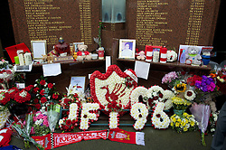 23.09.2012, Anfield, Liverpool, ENG, Premier League, FC Liverpool vs Manchester United, 5. Runde, im Bild Floral tributes left at Liverpool FC's Hillsborough memorial before The release of the Hillsborough Independent Panel's report shed light on one of the biggest cover-up's in British history which sought to deflect blame from the Police onto the Liverpool supporters during the English Premier League 5th round match between Liverpool FC and Manchester United at Anfield, Liverpool, Great Britain on 2012/09/23. EXPA Pictures © 2012, PhotoCredit: EXPA/ Propagandaphoto/ David Rawcliff..***** ATTENTION - OUT OF ENG, GBR, UK *****