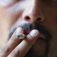 Toluca, Méx.- Fumadores en el dia mundia de no fumar. Agencia MVT / Mario Vázquez de la Torre. (DIGITAL)<br /> <br /> NO ARCHIVAR - NO ARCHIVE