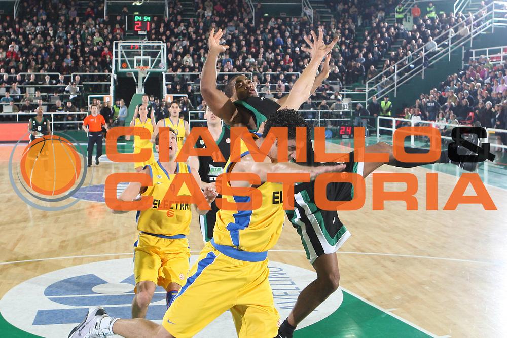DESCRIZIONE : Avellino Eurolega 2008-09 Air Avellino Maccabi Electra Tel Aviv<br /> GIOCATORE : <br /> SQUADRA : <br /> EVENTO : Eurolega 2008-2009<br /> GARA : Air Avellino Maccabi Electra Tel Aviv<br /> DATA : 11/12/2008 <br /> CATEGORIA : equilibrio<br /> SPORT : Pallacanestro <br /> AUTORE : Agenzia Ciamillo-Castoria/G.Ciamillo
