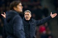 EINDHOVEN, PSV - SC Heerenveen, voetbal Eredivisie, seizoen 2013-2014, 23-11-2013, Philips Stadion, SC Heerenveen coach Marco van Basten (R) maakt zich boos, PSV coach Phillip Cocu (L).