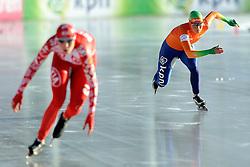 07-01-2012 SCHAATSEN: EC ALLROUND: BUDAPEST<br /> 1500 meter women / Linda de Vries- Liga second on the 1500 meter. Yekaterina Lobysheva RUS (r)<br /> ©2012-FotoHoogendoorn.nl