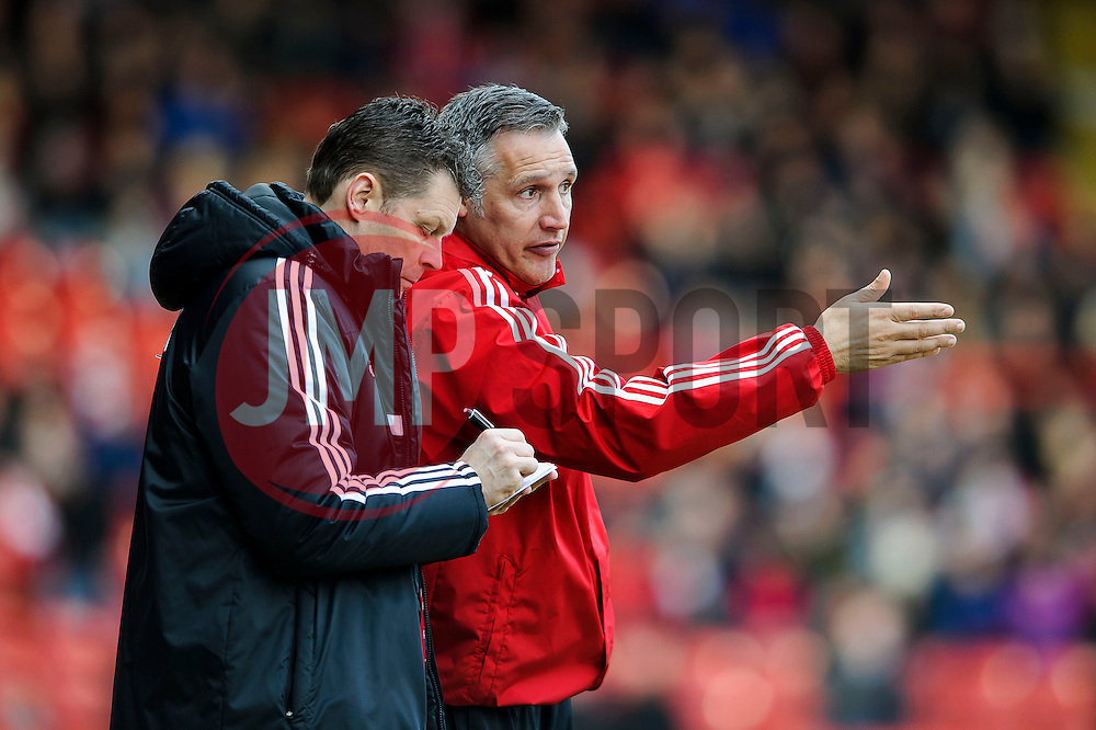 Bristol City Manager Steve Cotterill (ENG) consults with his assistant John Pemberton - Photo mandatory by-line: Rogan Thomson/JMP - 07966 386802 - 01/03/2014 - SPORT - FOOTBALL - Ashton Gate, Bristol - Bristol City v Gillingham - Sky Bet League One.
