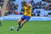 Bath fly half Rhys Priestland (10) kicks a penalty 0-6 during the Gallagher Premiership Rugby match between Wasps and Bath Rugby at the Ricoh Arena, Coventry, England on 2 November 2019.