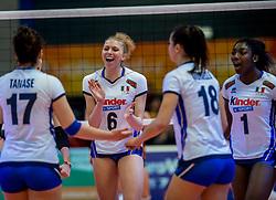 06-04-2017 NED:  CEV U18 Europees Kampioenschap vrouwen dag 5, Arnhem<br /> Nederland verliest met 3-1 van Italie en speelt voor de plaatsen 5-8 / Sarah Luisa Fahr #6