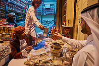 Sultanat d'Oman, Mascate, vieux Mascate, corniche de Mutrah, le vieux souk, commerce d'encens // Sultanate of Oman, Muscat, the corniche of Muttrah, the old town of Muscat, the old souq, incense shop