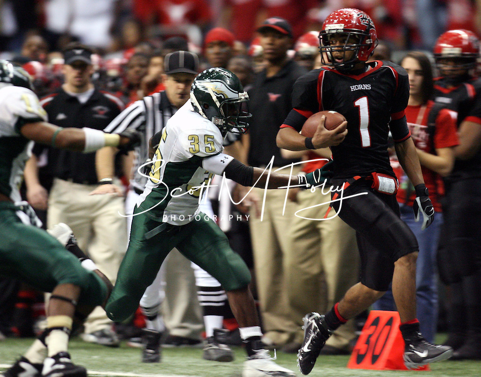 2006 TX UIL Conference 5A football championships, Division II, Cedar Hill (51) vs. Cypress Hills (17), 23 Dec, Alamodome, San Antonio, TX