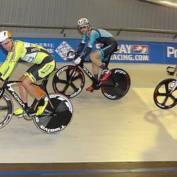 13-12-2015: Wielrennen: NK baanwielrennen: Sloten<br />AMSTERDAM (NED) baanwielrennen   <br />Op het velodrome van Sloten streden de baanwielrenners om de titel op de 50 kilometer. Jenning Huizenga monstert de gorep