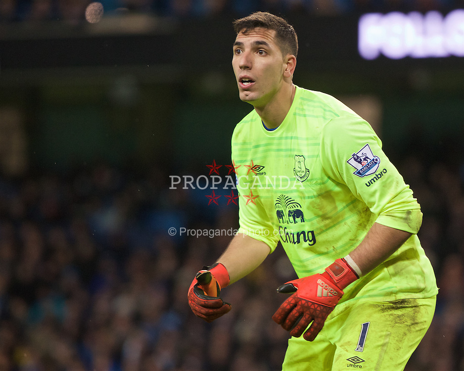 MANCHESTER, ENGLAND - Wednesday, January 27, 2016: Everton's goalkeeper Joel Robles in action against Manchester City during the Football League Cup Semi-Final 2nd Leg match at the City of Manchester Stadium. (Pic by David Rawcliffe/Propaganda)