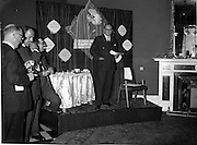 """07/06/1962<br /> 06/07/1962<br /> 07 June 1962 <br /> """"Light and Lovely"""" new Coty Make-up range, reception at the Shelbourne Hotel, Dublin. Mr. M.F. Landon, Chief Perfumier, Coty House, London, speaking at the event."""