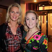 NLD/Haarlem/20121115 - premiere Verlies, Mary-Lou van Steenis en vriendin ??
