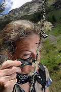 Ulrike Ruprecht is an expert for lichens. GEO day of biodiversity at the Hohe Tauern National Park, Austria. | Ulrike Ruprecht ist Expertin für Flechten. GEO-Tag der Artenvielfalt im Nationalpark Hohe Tauern 2013, Österreich.