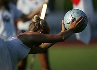 Fotball, 26. juli 2005, U21 damer, Åpent nordisk mesterskap, finale, Norge- USA 1-4,  illustrasjon, fotball, ball, dans, danser