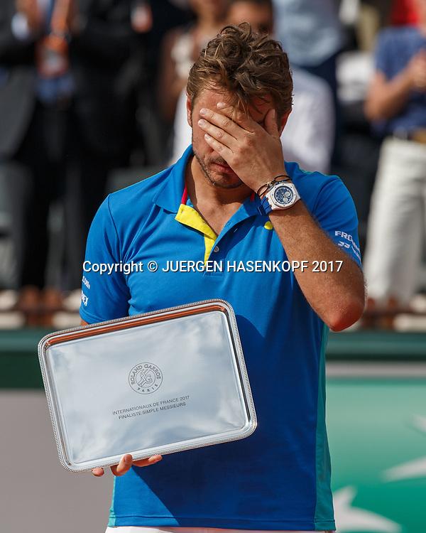 Finalist STAN WAWRINKA (SUI) mit der Schale, Siegerehrung, Praesentation<br /> <br /> Tennis - French Open 2017 - Grand Slam / ATP / WTA / ITF -  Roland Garros - Paris -  - France  - 11 June 2017.