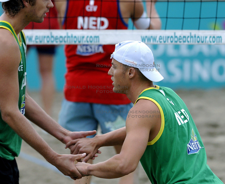 25-08-2006: VOLLEYBAL: NESTEA EUROPEAN CHAMPIONSHIP BEACHVOLLEYBALL: SCHEVENINGEN<br /> Gijs Ronnes<br /> ©2006-WWW.FOTOHOOGENDOORN.NL