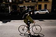 Parigi: fase due Covid19 deconfinamento, dal 11 maggio la Francia prova a ricominciare dopo 2 mesi di stop - La Rue de Rivoli dedicata alle bici <br /> Paris : Covid 19 Outbreak Deconfinement, from 11 May France tries to re-start after a 2 month stop - <br /> Rue de Rivoli dedicated to bikes