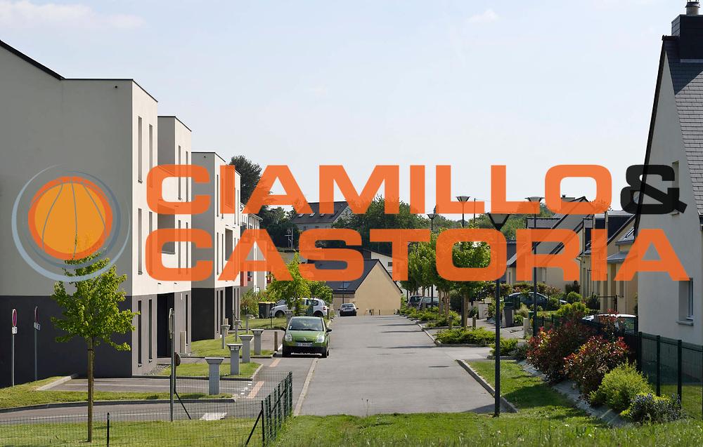 DESCRIZIONE : ATARAXIA LES Coteaux de l'Isle <br /> GIOCATORE : ARCHIPOLE<br /> SQUADRA : Architecte Bertrand Aubry<br /> EVENTO : Architecture<br /> GARA : <br /> DATA : 04/06/2013<br /> CATEGORIA : Exterieur Plan Large<br /> SPORT : <br /> AUTORE : JF Molliere<br /> Galleria : France Architecture 2013 <br /> Fotonotizia : Immeuble Habitat 35 Archipole <br /> Predefinita :