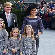 NLD/Apeldoorn/20130105 - Huwelijk prins Jaime en prinses Viktoria Cservenyak, aankomst Koning Willem - Alexander, konining Maxima en kinderen Catharina-Amalia, Alexia, Ariane