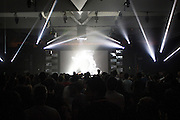 NOCTURNE 3 :: ORCHESTRATE TO ELEVATE <br /> Musée d'art contemporain - Salle principale<br /> vendredi 29 mai, <br /> Le post numérique se déchaîne avec des fractales d'instrumentation acoustique dans une soirée de saisissantes harmonies et de rythmes transportants. Les producteurs donnent libre cours à leur musicalité viscérale, du violoncelle et piano à la batterie, en demeurant dans les sphères de la composition radicale et de l'improvisation sublime.