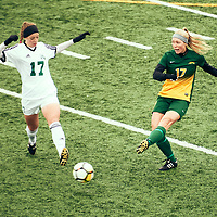 4th year mid-fielder, Jet Davies (17) of the Regina Cougars during the Women's Soccer home game on Sun Sep 23 at U of R Field. Credit: Arthur Ward/Arthur Images
