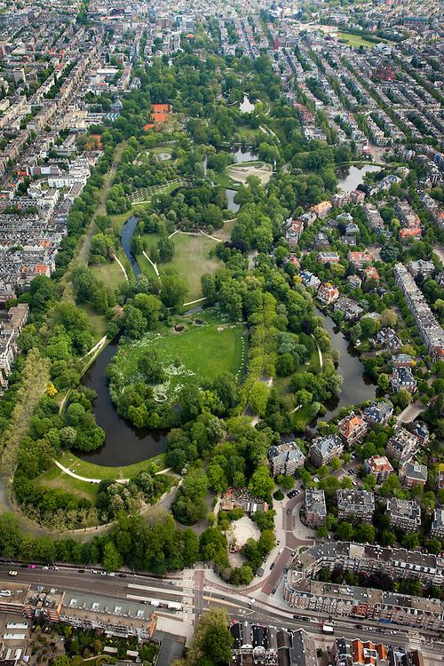 Nederland, Amsterdam, Amsterdam-Zuid, 25-05-2010. Overzicht van het Vondelpark, onder in beeld de Amstelveense weg..Overview of the Vondelpark..luchtfoto (toeslag), aerial photo (additional fee required).foto/photo Siebe Swart