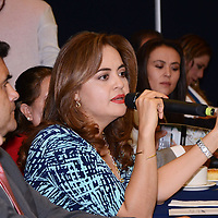 TOLUCA, México (Junio 8, 2016).- Ana Lilia Herrera Anzaldo, senadora de la república por el Estado de México, durante la reunión con integrantes del  Consejo de Cámaras y Asociaciones Empresariales del Estado de México CONCAEM, que preside María de Lourdes Medina Ortega, señala que la unidad empresarial factor fundamental para el progreso del país. Agencia MVT / José Hernández.