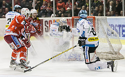 24.03.2013, Stadthalle, Klagenfurt, AUT, EBEL, EC KAC vs EHC Liwest Black Wings Linz, Playoff Halbfinale, 6. Spiel, im Bild Siegestor durch Tylor Scofield (Kac, #10), Tylor Spurgeon (Kac, #9), Patrick Leahy (EHC Black Wings, #71), Michael Meyr (EHC Black Wings, #8), David Leneveu (EHC Black Wings, #80) // during the Erste Bank Icehockey League playoff semifinal 6th match between EC KAC and EHC Liwest Black Wings Linz at the City Hall, Klagenfurt, Austria on 2013/03/14. EXPA Pictures © 2013, PhotoCredit: EXPA/ Mag. Gert Steinthaler