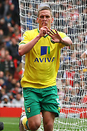 Picture by Paul Chesterton/Focus Images Ltd.  07904 640267.05/05/12.Steve Morison of Norwich scores his sides 3rd goal and celebrates during the Barclays Premier League match at The Emirates Stadium, London.