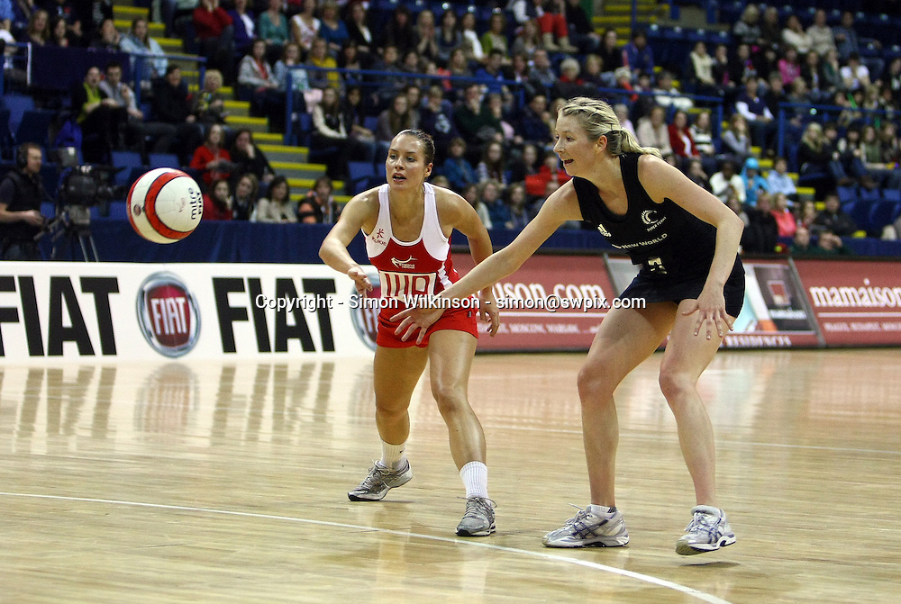PICTURE BY VAUGHN RIDLEY/SWPIX.COM...Netball - International Netball Series - England v New Zealand - Capital FM Arena, Nottingham, England - 17/01/11...New Zealand's Camilla Lees and England's Tamsin Greenway.