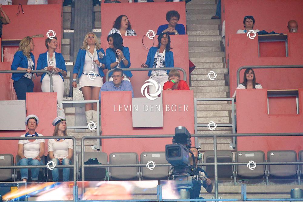 AMSTERDAM - De Toppers in Concert 2012 The Loveboat Edition in de Amsterdam Arena in Amsterdam. Met op de foto Edwin Janssen, Karin Riethoven en Danielle den Boer. FOTO LEVIN DEN BOER - PERSFOTO.NU