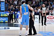 DESCRIZIONE : Trento Lega A 2014-2015 Dolomiti Energia Trento Vanoli Cremona<br /> GIOCATORE : Luca Vitali arbitro<br /> CATEGORIA : fairplay arbitro<br /> SQUADRA : Vanoli Cremona arbitro<br /> EVENTO : Campionato Lega A 2014-2015<br /> GARA : Dolomiti Energia Trento Vanoli Cremona<br /> DATA : 23/11/2014<br /> SPORT : Pallacanestro<br /> AUTORE : Agenzia Ciamillo-Castoria/GiulioCiamillo<br /> GALLERIA : Lega Basket A 2014-2015<br /> FOTONOTIZIA : Trento Lega A 2014-2015 Dolomiti Energia Trento Vanoli Cremona<br /> PREDEFINITA :