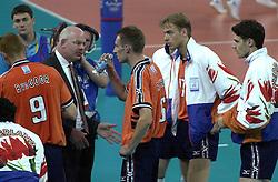 21-09-2000 AUS: Olympic Games Volleybal Nederland - Brazilie, Sydney<br /> Nederland verliest met 3-0 van Brazilie / Toon Gerbrands, Richard Schuil, Martijn Dieleman, Mike van de Goor